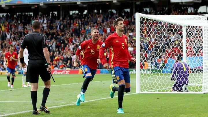 Gerard Pique y Sergio Ramos