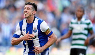 Hector Herrera celebrando un gol
