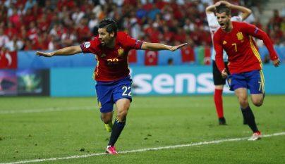 Nolito celebrando un gol