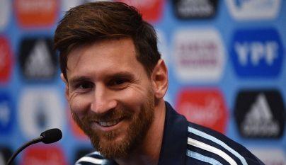Leo Messi sonriendo