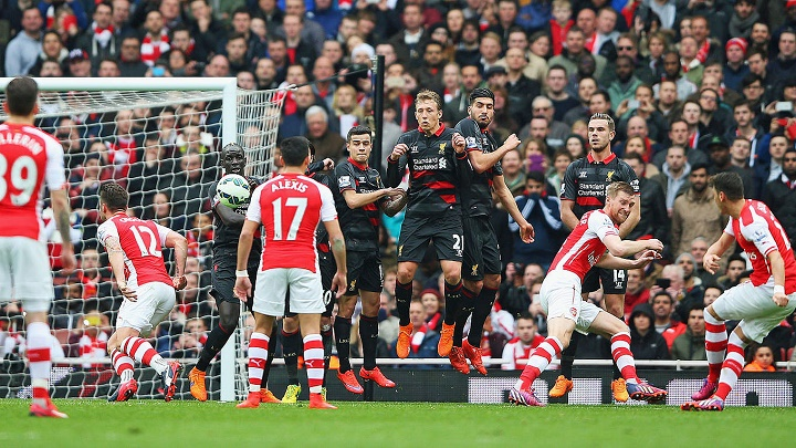 gol de falta Arsenal
