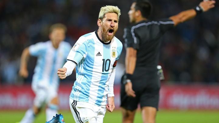 Leo Messi rubio platino