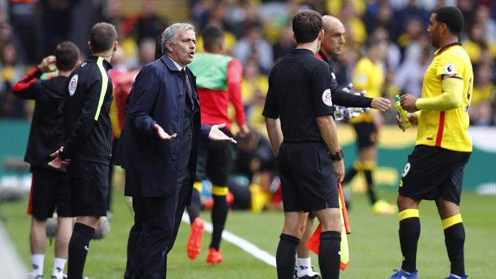 José Mourinho quejándose