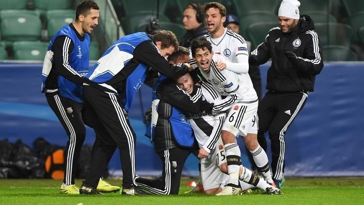 legia-celebrando-gol