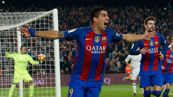 Luis Suárez celebrando un gol