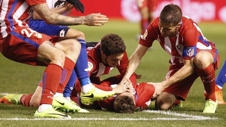 Fernando-Torres-en-el-suelo