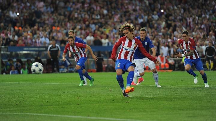 Griezmann-lanzando-el-penalti