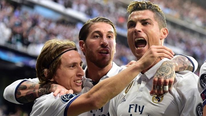 jugadores-del-Madrid-celebrando-un-gol