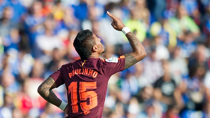 Paulinho-celebrando-gol