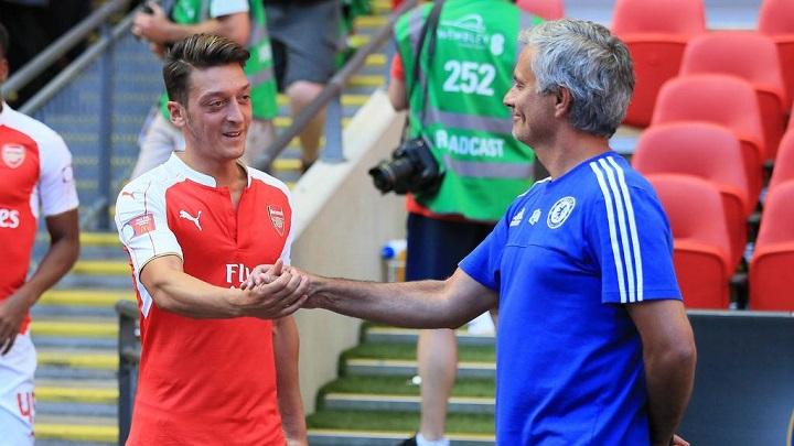 Ozil-y-Mourinho