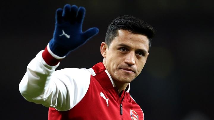 Alexis-Sanchez-saludando
