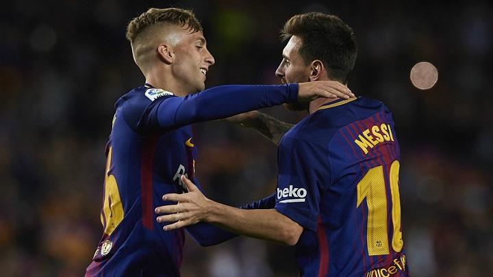 Gerard-Deulofeu-abrazando-a-Messi