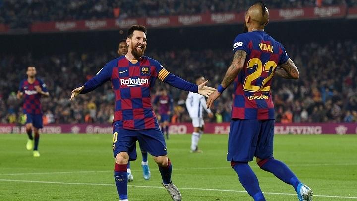 Messi-y-Arturo-Vidal