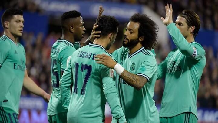Madrid-celebrando-un-gol
