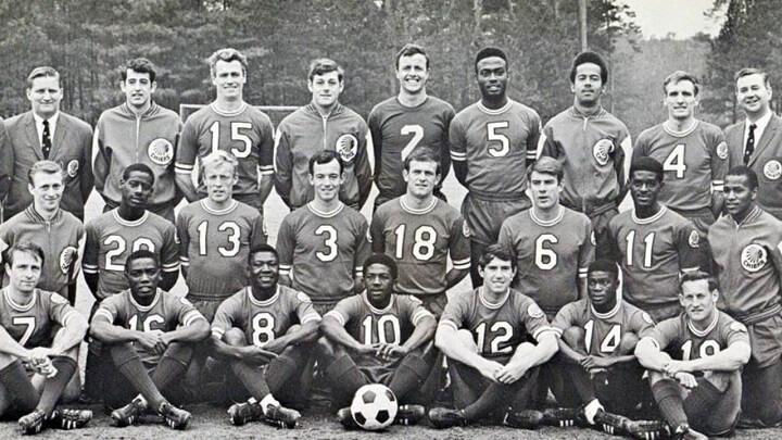 equipo-de-futbol-antiguo