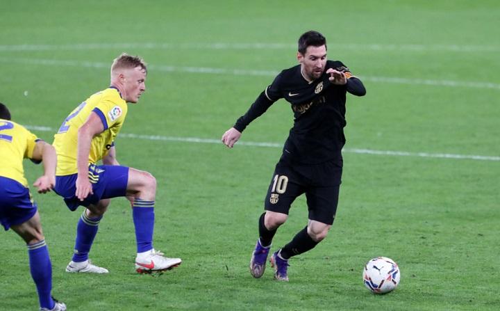 jugada-de-Messi-en-Cadiz